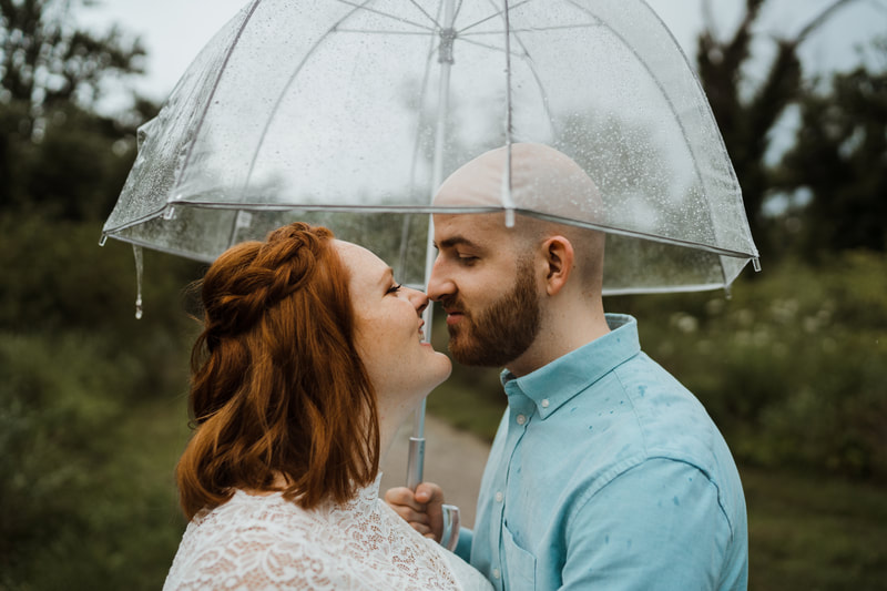 elope in the rain